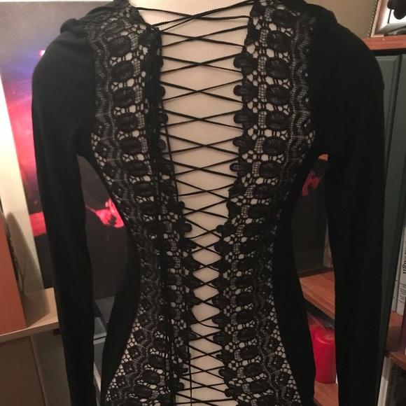 PattyBoutik Tops - Beautiful lace and corset back shirt.
